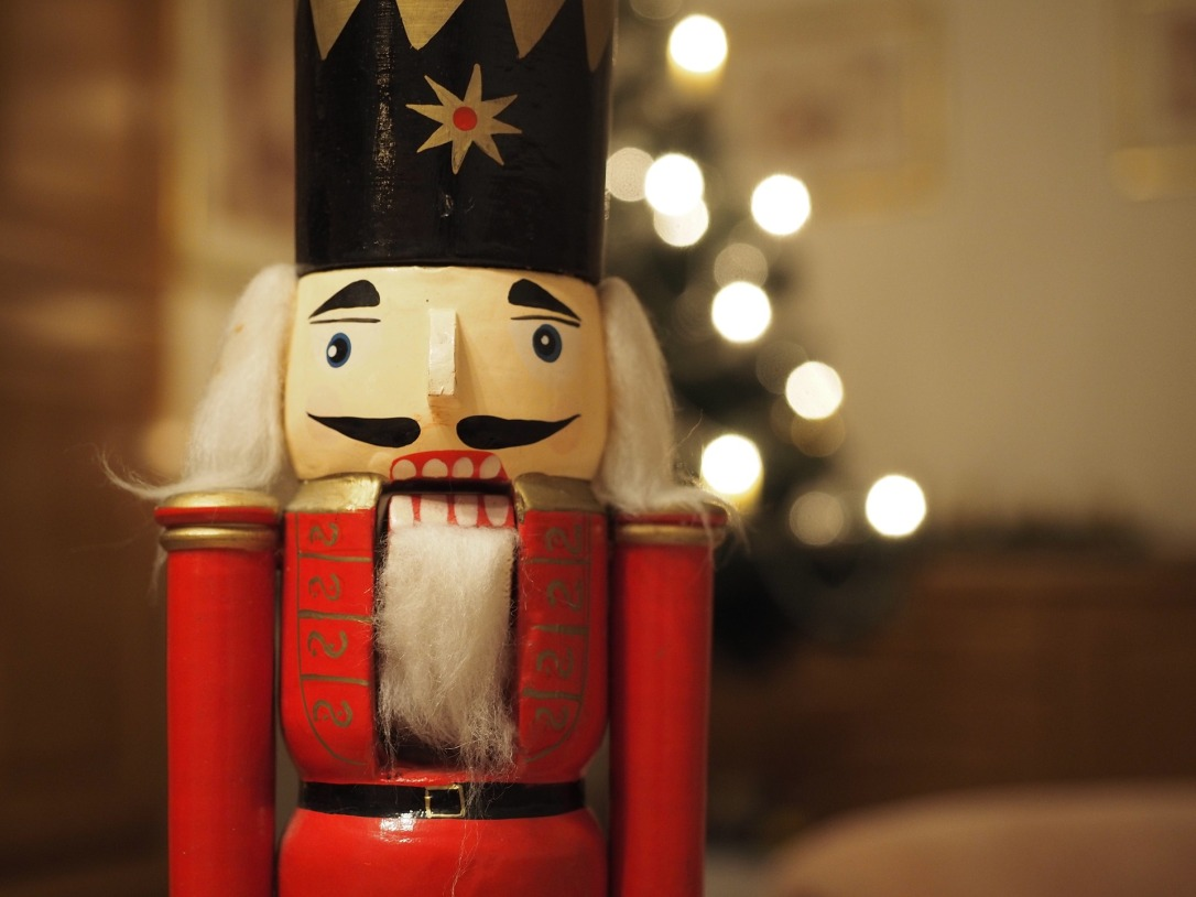 christmas-1748234_1920.jpg