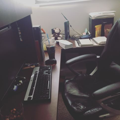 Messy desk writer habit